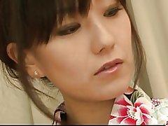 Χαριτωμένο Ασίας cougar manami komukai δράση όργιο με τρεις